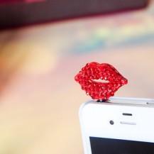 Защита от пыли Поцелуй на телефон
