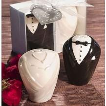 Керамическая солонка и перечница ``Жених и невеста``