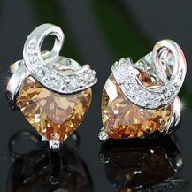 Серьги 2 Carat Heart Amber Sapphire Stud Earrings SE294